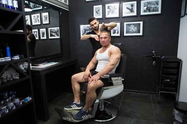 Скидка 10% в ногтевой сервис и парикмахерский зал Модной Цирюльни